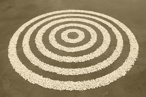 Small White Pebble Circles by Richard Long: Tate Modern  Published by: commons.wikimedia.org